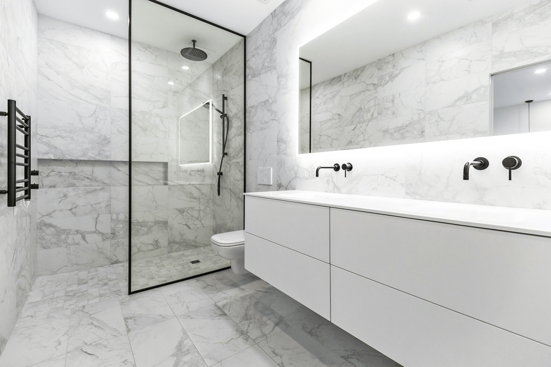 Vanité salle de bain des maitres, thermoplastique blanc satiné